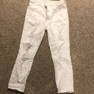 White crops jeans
